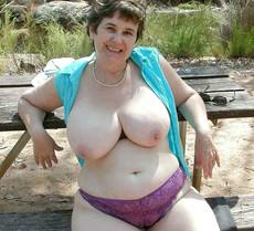 Czech mature woman with huge natural boobs..