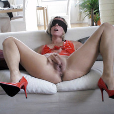Amateur porn - amateur girls and mature women..