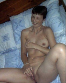 Sex starving naughty milfs need their tight..