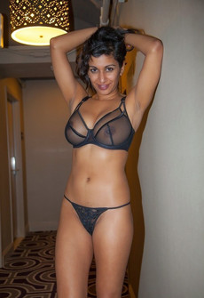 Superb asian big tits lingerie in pic.