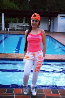 Beautiful young Muslim Twitter girl