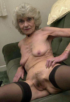 Naked grannies with flabby skin in these amateur..