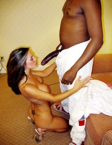 These amateur moms is happy to receive big black..
