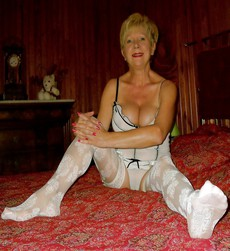 Astonishing mature woman with short hair and..