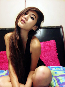Petite chinese cowgirl show her amazing naked..