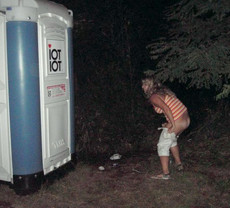 Pics where girls pissing on the nature