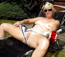Jennifer is one european housewife which posted..