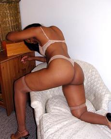 Tempting ebony mature ladies posing and gets..
