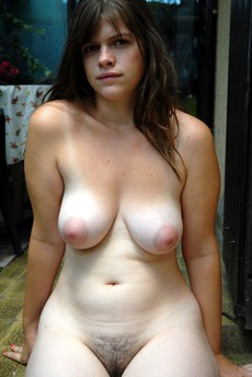 Beddable young girlfriend with curvy body and..