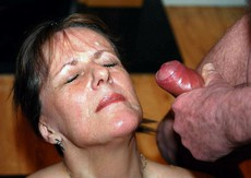 Lucky mature facial covered with lots of fresh..