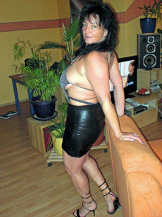 Homemade photos with amateur busty wife in..
