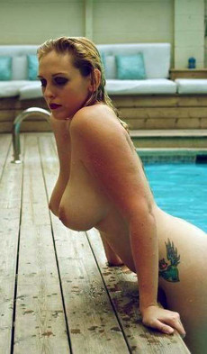 Hot ex-wives and housewives showing their nude..