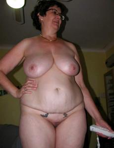Chubby MILFs sunbathing naked, vacation erotic..