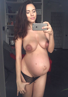 Gorgeous, completely naked pregnant girlfriend..