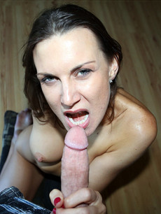 50 year-old lady jerking big dick professionally