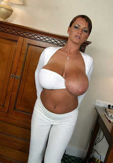 Impressive amateur private images of hot French..