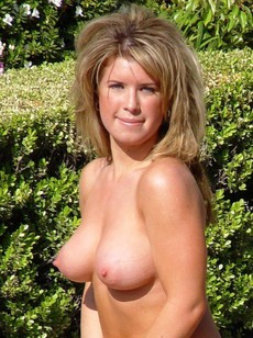 Big titted hiusewives private erotic photos