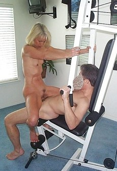 Amateur sex in the gym, mature lady sucking cock..