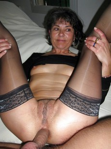 Homemade pics where mature wives assfucked at..